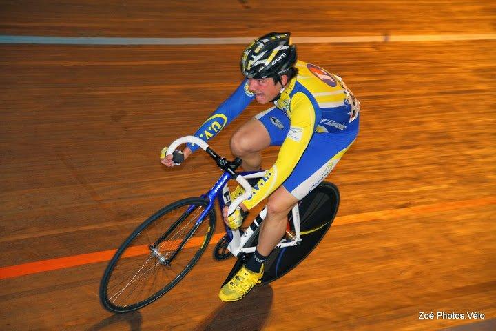Piste : Samedi 19 Octobre: 22ème Grand Prix Cycliste de l'Humanité au Vélodrome de Bordeaux dans route img_3873_corentin